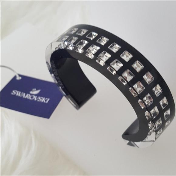 f4297622a9597 🎈Limited Edition Swarovski Lucite CrystalBracelet